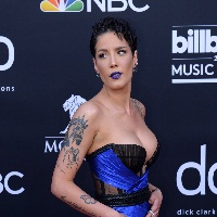 Halsey signe son come-back avec « Nightmare »