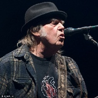 Neil Young sortira bientôt « To Feel The Music »
